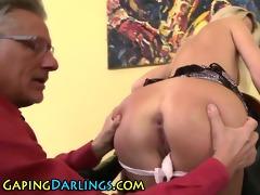 butt rimmed chick sucks old guy